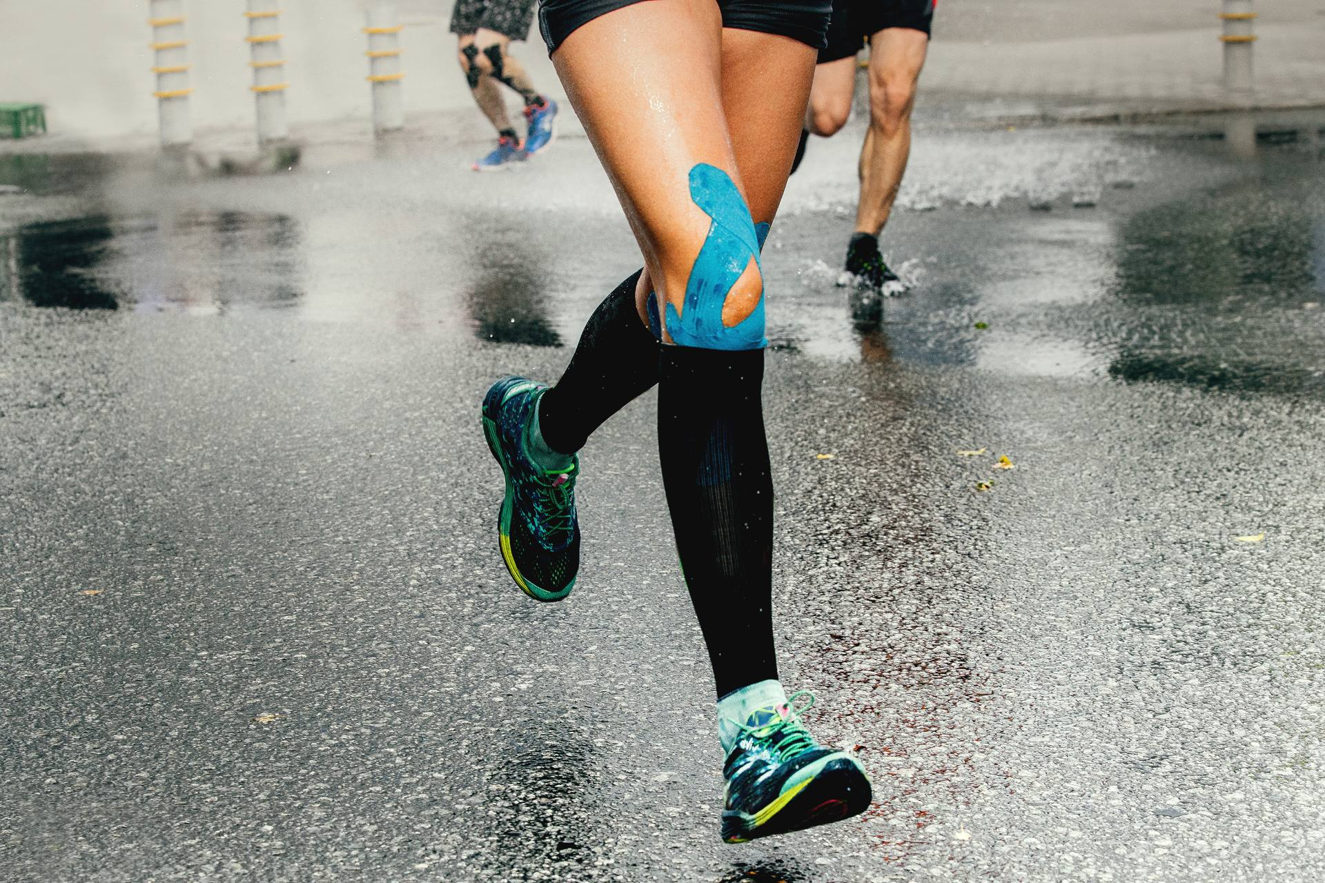 running sore muscles compression tape