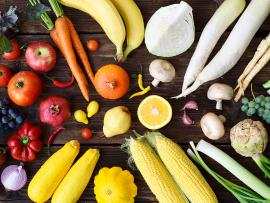 eating the rainbow color fruits and vegetables
