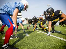 High school football players_A note to parents of student athletes
