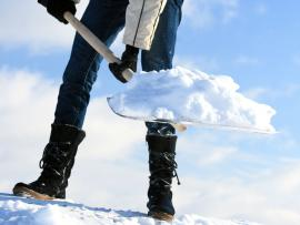 Shoveling snow_3 things to avoid when shoveling snow