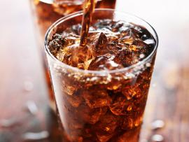 diet soda in glass with ice