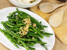 Garlic and green beans recipe