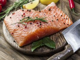 picture of cooked salmon on a plate