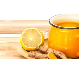 apple cider with ginger turmeric and lemon